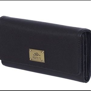 ROOTS 73 Checkbook/Clutch/ID Card Wallet Black OS
